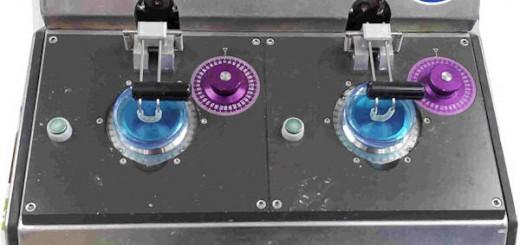 La macchina per il bloccaggio delle lenti